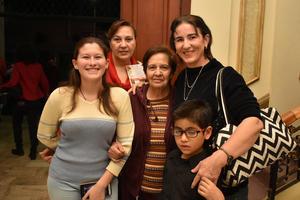 20122017 Zamira, Soraya, Guillermina, Betsy y Edgar.