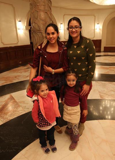 Nadia, Adri, Zoé e Ileana.