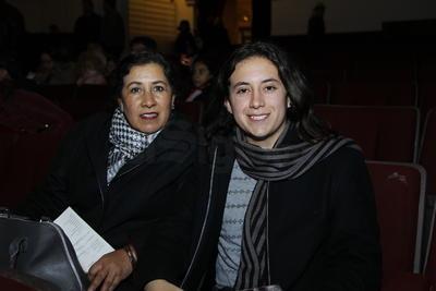 Patricia y María.