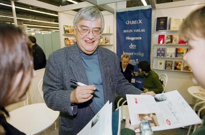 10 de julio. Peter Härtling | El poeta y escritor alemán que murió a los 83 años.