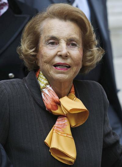 21 de septiembre.  Liliane Bettencourt |  La empresaria francesa considerada la mujer más rica del mundo y principal accionista de la marca L´Oréal con una fortuna estimada en 42 000 millones de dólares, murió en Francia a los 94 años de edad.