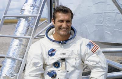06 de noviembre. Richard Gordon Jr. | Astronauta de la nasa, piloto de la misión Apolo 12. Falleció a los 88 años de edad.