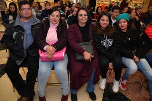 21122017 Edmundo, Gabriela, Gloria, Monse y Mariana.