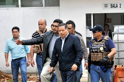 12 de marzo. Detención | Cae en Xalapa-Enríquez el exgobernador interino de Veracruz, Flavino Ríos, acusado de encubrir y colaborar en la huida de su antecesor Javier Duarte.