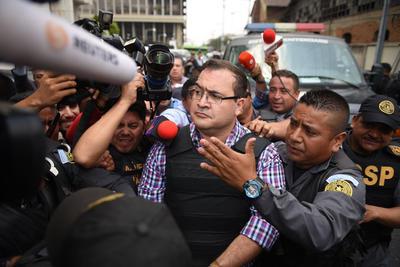 15 de abril. Arresto | Detienen al exgobernador de Veracruz, Javier Duarte de Ochoa, en Panajachel, Departamento de Sololá, Guatemala.