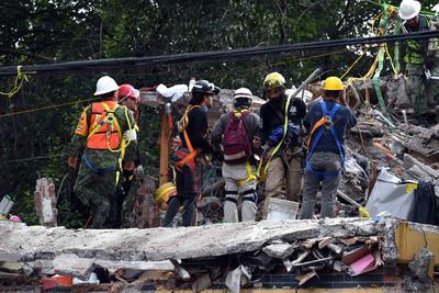 19 de septiembre. Terremoto | Un sismo con epicentro localizado a 12 km al sureste de Axochiapan (Morelos), deja 339 muertos y numerosos daños en infraestructura en diversos estados.