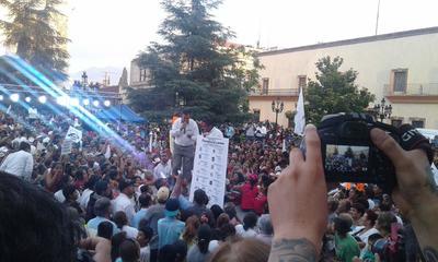 01 de junio. Reaparece | El expriista Humberto Moreira encabezó el cierre de campaña de los candidatos del Partido Joven en la Plaza de Armas en Saltillo.