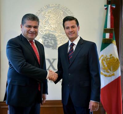 24 de septiembre. Reunión | El presidente de la República, Enrique Peña Nieto, recibió en la residencia oficial de Los Pinos al gobernador electo de Coahuila, Miguel Ángel Riquelme.
