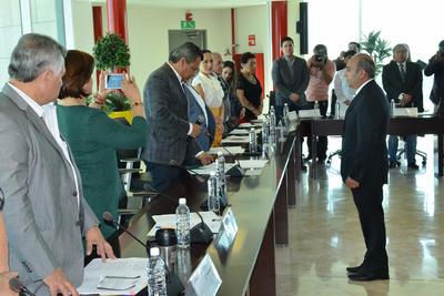 08 de noviembre. Protesta | El alcalde Jorge Luis Morán, le tomó protesta a Jorge Maldonado Rivas, como nuevo secretario del Ayuntamiento, quien sustituye a José Ignacio Máynez Varela.