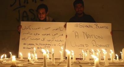 16 de febrero. Atentado | El Estado Islámico mata a 70 personas en un ataque suicida en un templo sufí en la provincia de Sindh, en Pakistán.