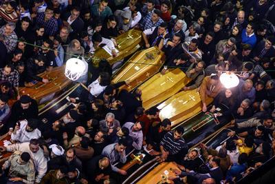09 de abril. Atentados | En Egipto, dos atentados contra iglesias coptas en Alejandria y Tanta, causan 45 muertos y 136 heridos.