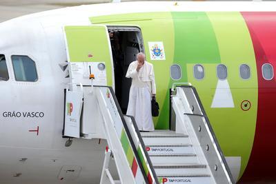 12 de mayo. Visita | El papa Francisco visita Portugal para celebrar el centenario de las apariciones de la Virgen de Fátima.
