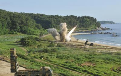 04 de julio. Misil | Corea del Norte lanza un nuevo misil balístico intercontinental, que cae en costas de Japón.