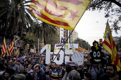 02 de noviembre. Sentencia | La Audiencia Nacional Española manda a prisión provisional al Gobierno de Cataluña por la realización del referéndum del 1 de octubre.