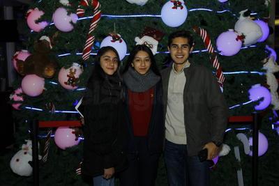 Paola, Carolina y Emiliano.