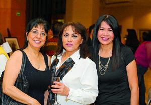 24122017 EN EXPO.  Aída Chamut, Enriqueta Sagarena y Ely Espinoza.