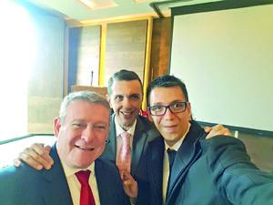 26122017 SE TOMAN LA SELFIE.  Víctor Sabido, Arturo Chávez y Pineda Damián.