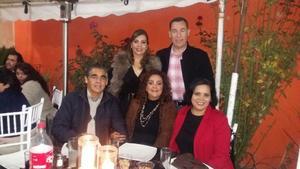 26122017 ASISTEN A CELEBRACIóN.  María Elena, Jesús, Ángel, Blanca y Ángeles.