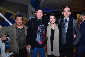 24122017 EN EL CINE.  Mario, Rubén, Cristina y Leonardo.