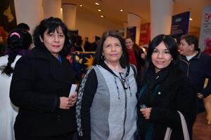 27122017 EN EL TEATRO.  Ángeles, Imelda y Minerva.