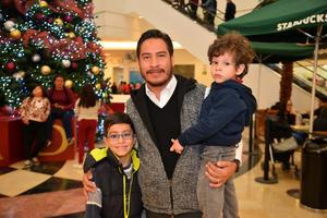 27122017 Jair, Emiliano y Santiago.