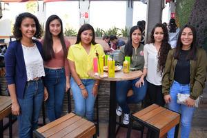 Adriana, Fátima, Maricarmen, Mónica, Ana y Saira