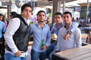 Arturo, Ricardo, Ricardo y Carlos