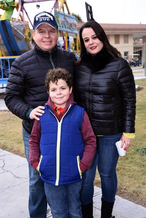 Carlos, Alejandra y Carlos jr