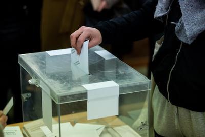 21 de diciembre. Cataluña | Se realizan las Elecciones al Parlamento de Cataluña de 2017, en la que los independentistas conservan la mayoría.