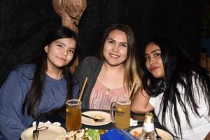 28122017 Valeria, Regina y Natalia.