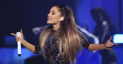 """19 de julio. Ariana Grande   Enamoró a los mexicanos con """"Dangerous Woman"""", en la ciudad de Monterrey."""