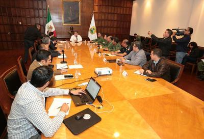 04 de diciembre. Seguridad | El gobernador de Coahuila, Miguel Riquelme Solís encabezó por vez primera el Grupo de Coordinación Operativa de su sexenio para evaluar el estado en materia de seguridad que guarda la entidad.