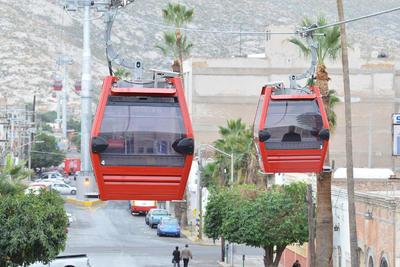 07 de diciembre. Teleférico | Inauguran el teleférico de Torreón un año después de lo prometido.