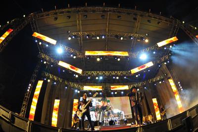 28 de octubre. Los Tigres del Norte  | Hicieron cantar y bailar a sus fans que se dieron cita en el Estadio Revolución de Torreón, Coahuila.