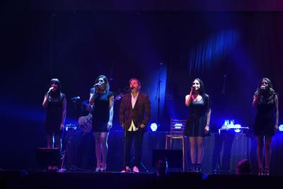 10 de noviembre. Ricardo Montaner  | El romanticismo y la nostalgia se apoderaron de los más de cinco mil 420 asistentes que presenciaron el show.