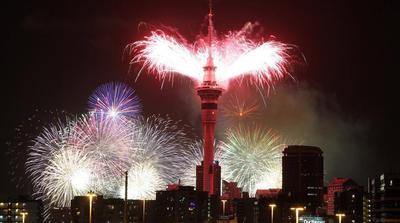 Uno de los actos principales de Nueva Zelanda para la Nochevieja fueron los fuegos artificiales en el Sky Tower.