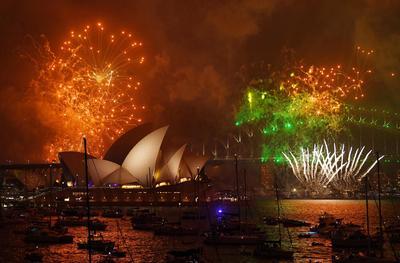 Australia fue uno de los primeros en recibir el 2018 en el mundo con pirotecnia incluida.