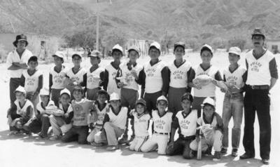 Equipo Pollos Los Reyes en 1987.