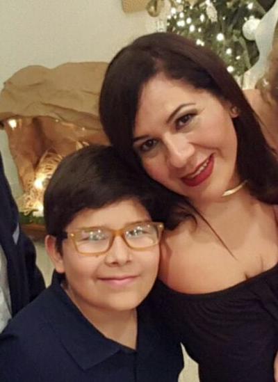 04012018 MUY CONTENTOS.  Mauricio y Rocío.