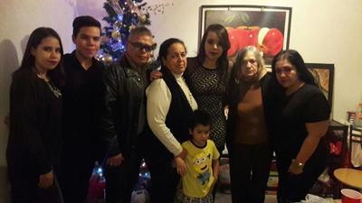 04012018 GRATOS MOMENTOS.  Familia Flores.
