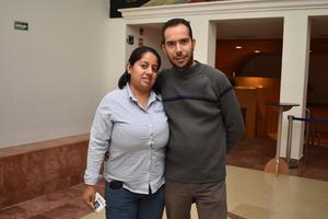 02012018 EN EL TEATRO.  Karla y Sergio.