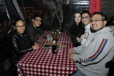 Audelia, Emmanuel, Michelle, Mario y Luis.