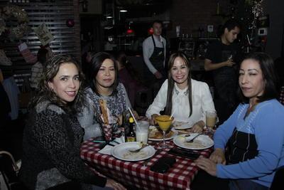 Pamela, Lolita, Lorena y Aide.
