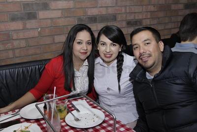 Ariana, Karen y Omar.