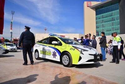 El alcalde de Torreón, Jorge Zermeño Infante, dijo que se adquirieron 60 patrullas para la Policía y Vialidad.