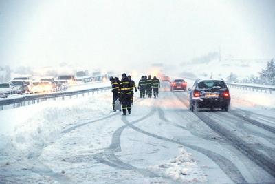 Con miles de personas atrapadas durante 18 horas en la autopista de peaje AP-6.