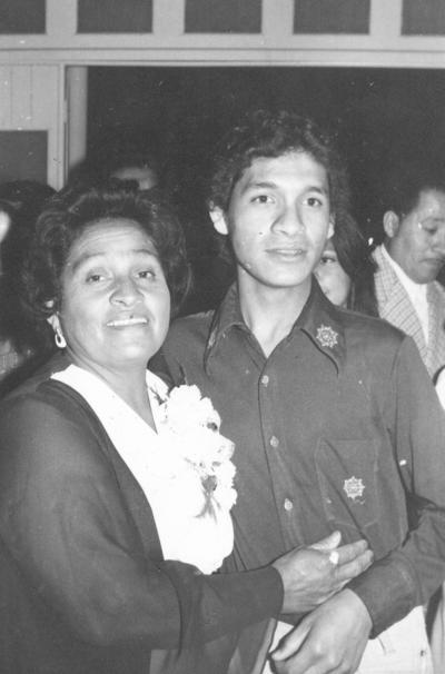 07012018 Ma. Elena Hurtado con su hijo, Fco. Javier Rangel