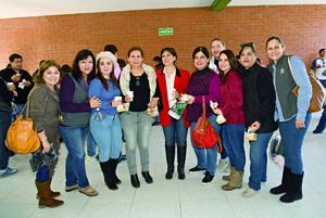 09012018 POSAN PARA LA FOTO.  Malena, Lavy, Ana, Araceli, Lupita, Moni, Goretti, Lupita y Angélica.