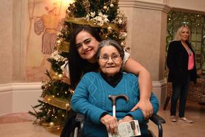 09012018 MUY CONTENTAS.  Nancy y Rita.