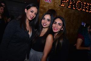 Daniela, Andrea y Ángeles
